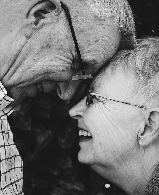 olisko ihana asia viettää vanhuus yhdessä rakkaimpansa kanssa?